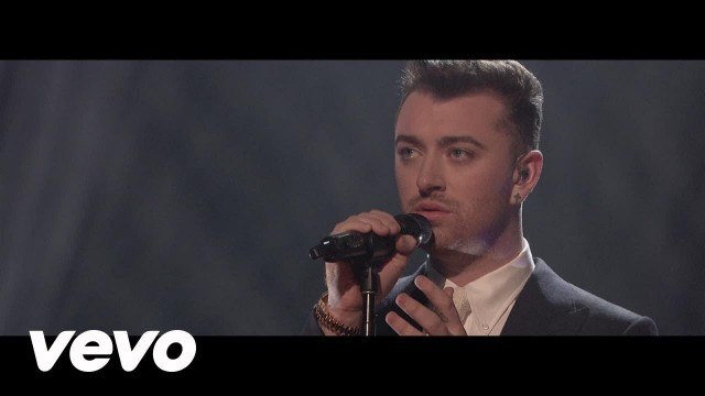 Sam Smith – Writing's On The Wall (Live On The Graham Norton Show)