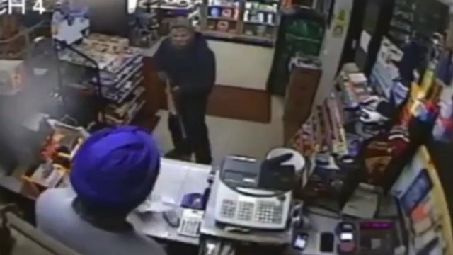 Fuel station worker fights off gun toting robber with shoe